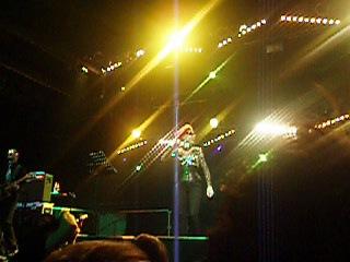 Жанна Агузарова в клубе «MILK MOSCOW»04.11.2010 – «Желтые ботинки» (фрагмент)