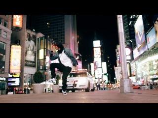 танец братья LES TWINS чудят как всегда in New York City терь вместе с копами!!!(New Style Hip Hop Dance)