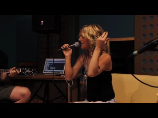 Gossip Pop Goes The World acoustic cover by Tijana Sarah Branko LIVE