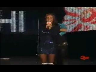 Anahi canta 'Alérgico y 'Me Hipnotizas ' en Evento Oye [BK]