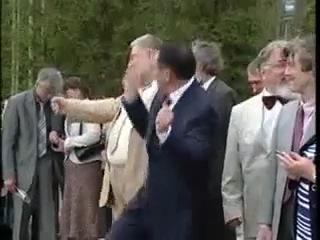 Танцы Призидента Чувашии во даёт прикол ржач ахаххааа прикол в армии котэ кошки укропы сс