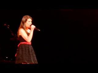 Lea Michele 'Don t Rain on My Parade'- Glee Live Staples Center