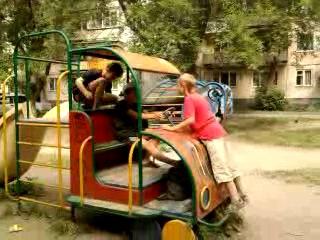 бэндики угнали машину игрушку