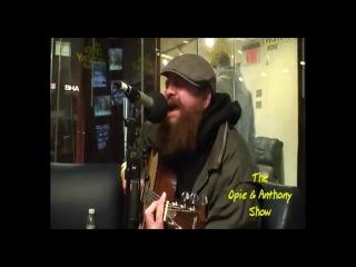 Американский БОМЖ Горчича исполняет песню Creep - Radiohead