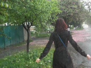 Мукачево. Дождь. Сакура. Юля.