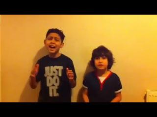 Два мальчика поют Grenade Bruno Mars