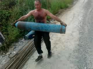 Изобретя технику переноса физических тел,я 90 кг,переношу,как 20кг.