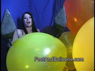 Надувной секс с воздушными шарами