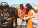 Наташа кормит лошадку :) Салей! :)))