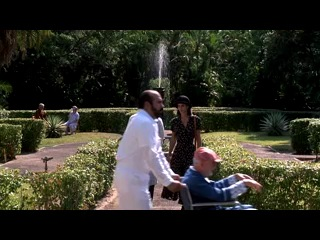 Джим Керри в балетной пачке:D Отрывок из фильма Эйс Вентура.