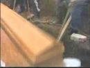 Хач-трюкач на похоронах.