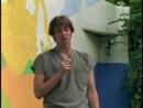Резиновое лицо (отрывок) самый первый фильм с Джимом Керри =). Ему там 21 год.