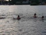 тренировка по Ушу в воде.Отработка боковых ударов .преодоление сопротивления воды