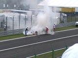 Пожар на машине Хайфельда. Гран При Бельгии 2011 бедняге Нику не везет , уже второй раз за сезон чуть не поджарился.