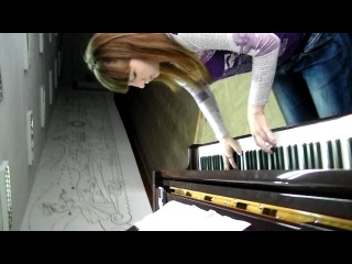 Ксения Ларшина ( Васькина) играет транс на пианино