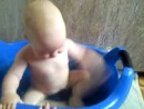 Виолла купается