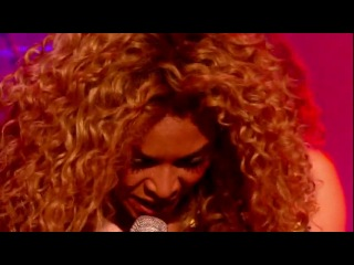 Beyonce-Sex on fire ( Kings of leon cover)Live 2012
