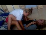 Две идиотки,блин умора,пол года назад))