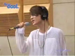 SHINee-Lucifer (они даже по радио вживую поют**)