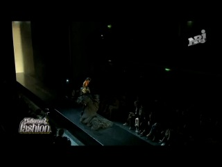 Mylene Farmer - Sat Defile Jean Paul Gaultier (06.07.2011) NRJ12 Paris