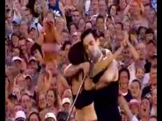 Robbie Williams - kiss a woman - Come undone