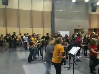 Школьный оркестр еашит не по детски