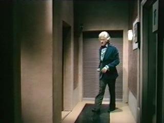 Классический Доктор Кто 11 сезон 2 серия 4 часть - Вторжение динозавров.