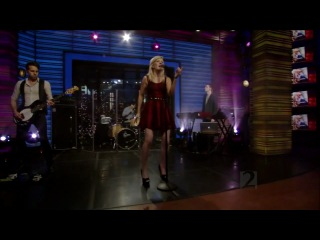 Ellie Goulding - Lights (Live on Regis and Kelly 05-17-2011)