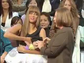 Tyra Banks Breast feeding???? OMG !