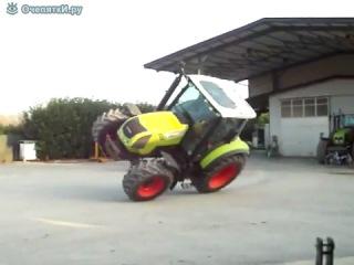 трактор на 2х колесах едет