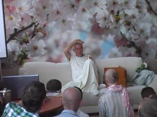 Е М. Чайтанья Чандра Чаран махарадж (Хакимов А.Г.) 22.06.2011  Новосибирск [Встреча с учениками].avi