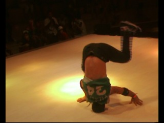 UFB 2011 Bboying 1 vs 1 Quaterfinal bboy Mongol(Russia) vs bboy Goodkan(Turkey)