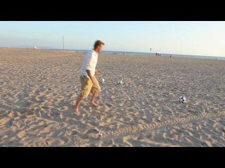 Дэвид Бекхэм показал как надо играть в футбол
