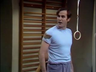 «Летающий цирк Монти Пайтона» / Monty Python's Flying Circus - Сезон 1 / Серия 4 - Owl Stretching Time