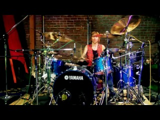 Behind The Player: Shannon Larkin, Drummer for Godsmack, ''Straight Out Of Line'' (Solo play)