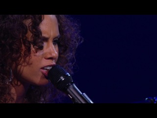 Alicia Keys - Un-Thinkable (LIVE)