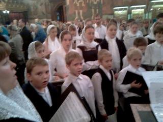 Детский хор Красногорского благочиния поет в Успенском соборе Московского Кремля