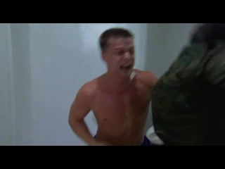 Отрывок из фильма Стреляющие горы (пограничник против чечена)