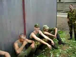 Есть ли в армии дедовщина?