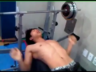 2.06.2011 Half-naked KiKwang working out @ Manager JinHo's Twitter