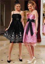Было бы очень забавно, если поменять модели и платья.