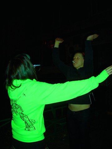 """[наши съ Инси ритуальные """"танцы"""" ))гггг)))) *у меня мобила во рту оО]"""