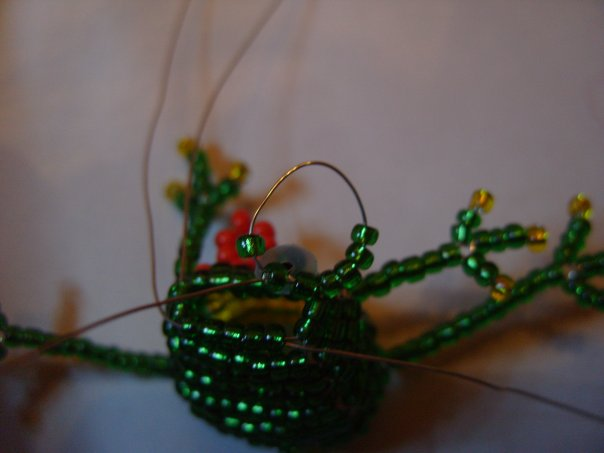 схема лягушка из бисера - Исскуство схемотехники.