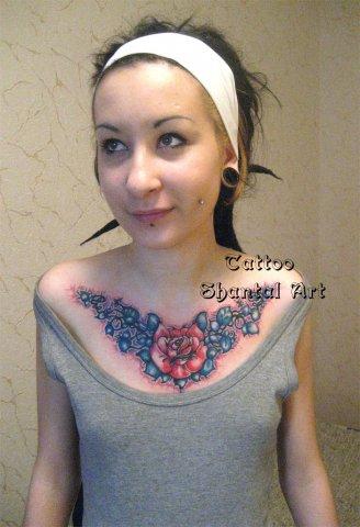 Женская проколотая грудь фото 554-782