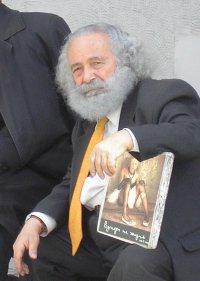 Петр Сурков