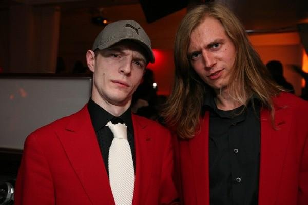 A rare photo of joel in a suit deadmau5 httpclubnewsuploadsposts2012 041335549443tb91ng37 adownload 1920x1920g voltagebd Choice Image