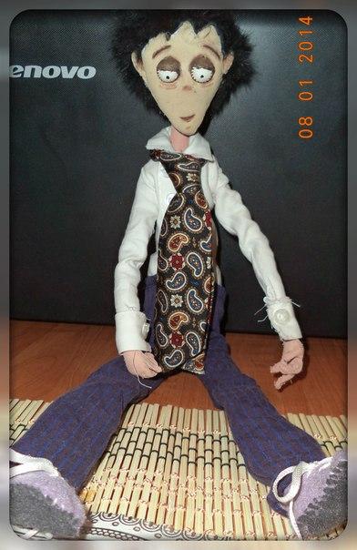 моя первая в жизни Текстильная Шарнирная Кукла Виктор!!!))))