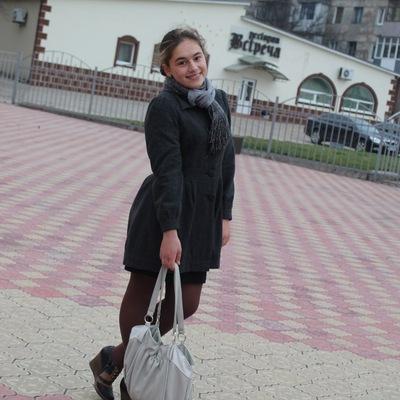 Галюня Бондаренко, 14 мая , Перевальск, id172643107