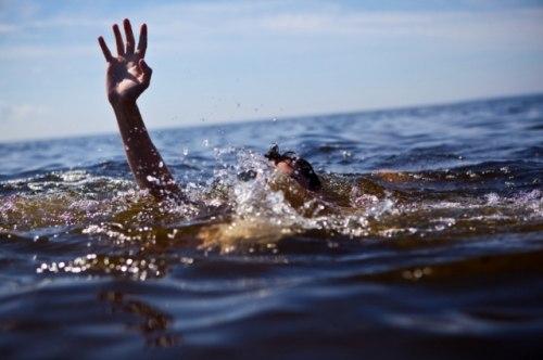 Нетрезвый рыбак утонул, запутавшись в собственных сетях.