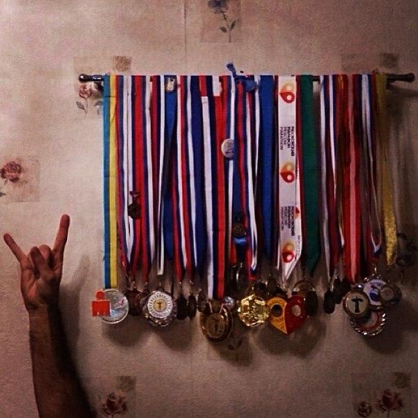 Как развесить медали на стене фото как определить монеты proof